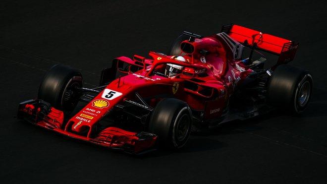 Sebastian Vettel s Ferrari SF71H druhý týden v Barceloně