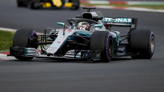 Lewis Hamilton vstupuje do sezóny 2018 výtečně