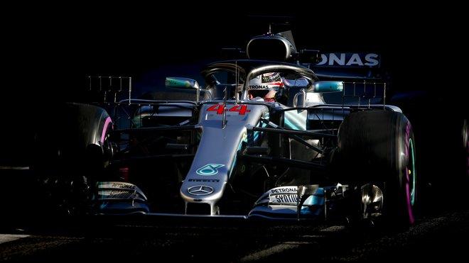 Lewis Hamilton během 2. předsezónních testů v Barceloně