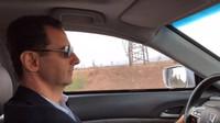 Poklidná projížďka válečnou zónou? Syrský prezident vyrazil Hondou Accord na frontu - anotační foto