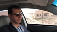 Syrský prezident Bašár al-Asad se vydal na obhlídku fronty v Hondě Accord