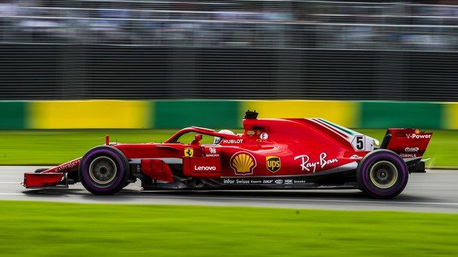 Sebastian Vettel během kvalifikace v Melbourne