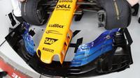Přední křídlo vozu McLaren v kvalifikaci v Melbourne v Austrálii