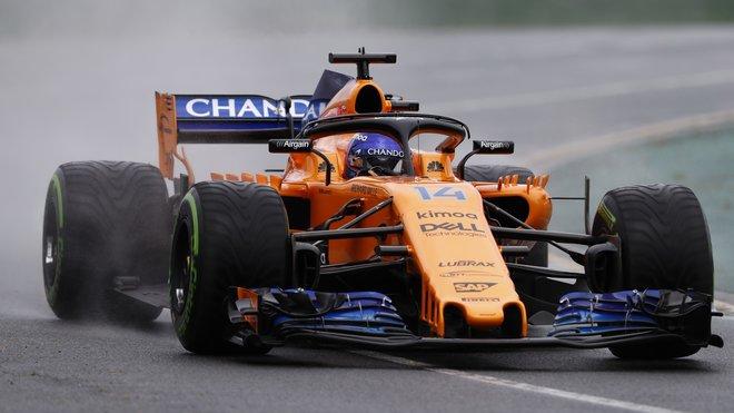 Fernando Alonso na přechodných pneumatikách