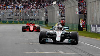 Lewis Hamilton vyhrál kvalifikaci v Melbourne v Austrálii