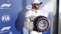 Lewis Hamilton po kvalifikaci v Melbourne v Austrálii