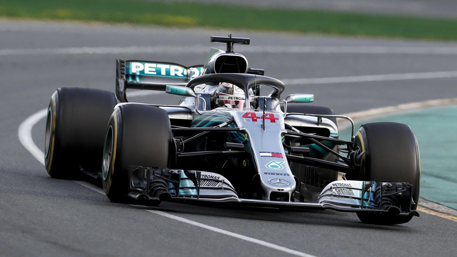 Lewis Hamilton v závodě v Melbourne v Austrálii