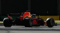 Daniel Ricciardo v závodě v Melbourne v Austrálii