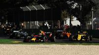 Max Verstappen v závodě v Melbourne v Austrálii