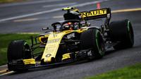 Šéf Renaultu o ztrátě Sainze na Hülkenberga: Vzpomeňte, jak si vedl proti Verstappenovi - anotační obrázek