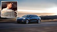 """Elon Musk oznámil, že Tesla definitivně zbankrotovala. Pak se opil """"Teslaquillou"""" a vytuhl opřený o Model 3"""