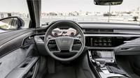 Interiér: Audi A8