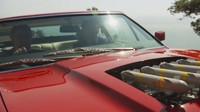 Johnny English dostal nový služební automobil - Aston Martin V8 Vantage