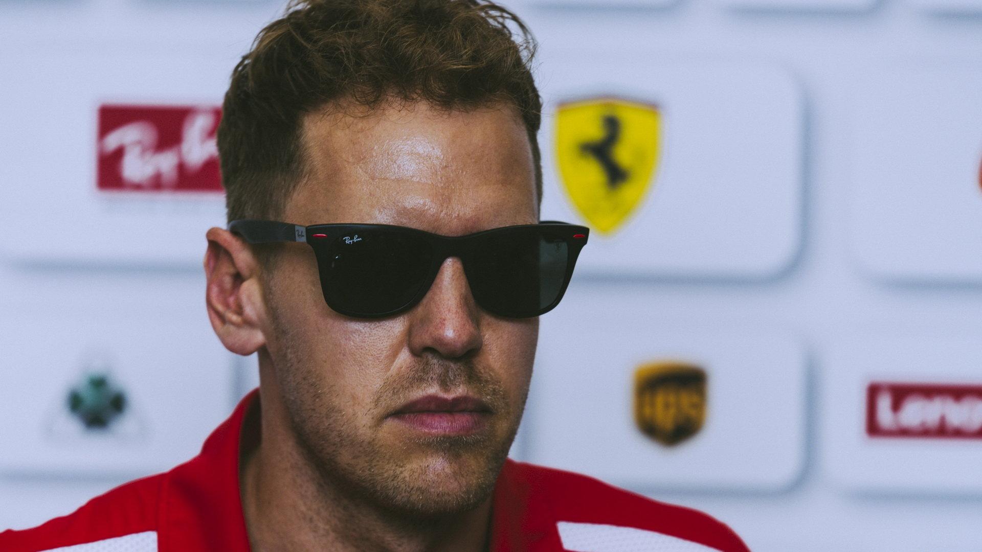 Vettela a jeho tým naštvalo načasování výjezdu safety caru
