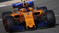 McLaren v kvalifikaci v Bahrajnu zklamal, v závodě se pak ale znovu dostal s oběma vozy na body
