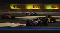 Kevin Magnussen v závodě v Bahrajnu