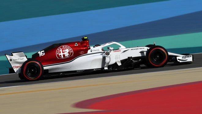 Charles Leclerc v kvalifikaci na Velkou cenu Bahrajnu