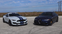 Závod decentně upraveného Shelby Mustang GT350 vs. Alfa Romeo Giulia Quadrifoglio