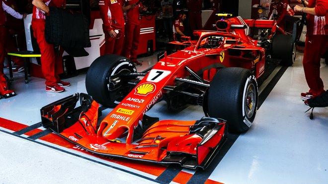Kimi Räikkönen v tréninku v Číně
