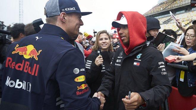 Max Verstappen a Lewis Hamilton - budou tento víkend soupeřit o vítězství?
