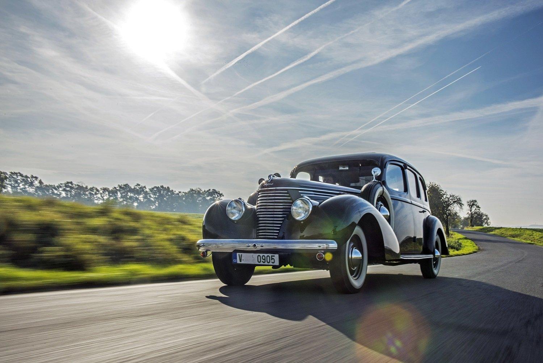 Majestátní Škoda Superb 3000 dnes patří k obdivovaným exponátům Škoda Muzea v Mladé Boleslavi.