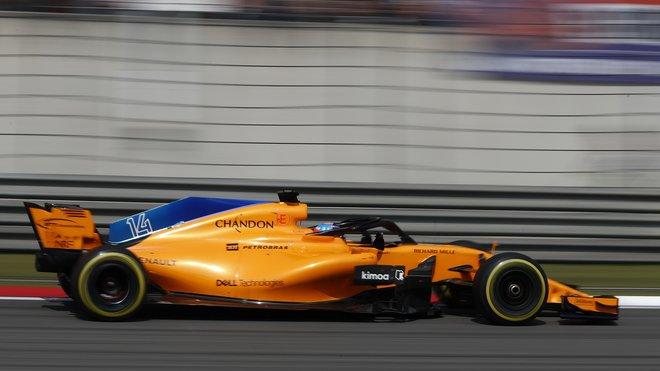 Fernando Alonso s McLarenem MCL33 v Šanghaji