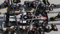Romain Grosjean v závodě v Číně