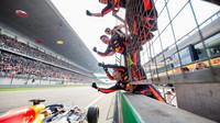 Daniel Ricciardo v cíli závodu v Číně