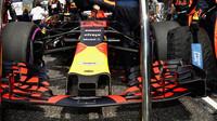 Přední křídlo Red Bull | Red Bull RB14 - Renault před závodem v Číně