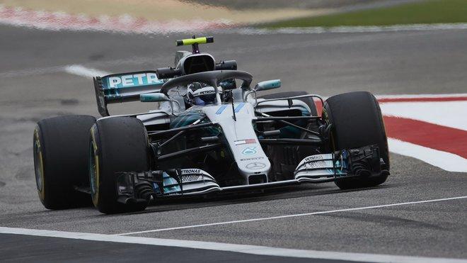 Bottas na úvod v Barceloně předčil Hamiltona i všechny ostatní piloty
