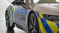 BMW i8 v barvách Policie ČR