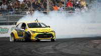 Speciálně upravená Toyota Auris závodí v sérii Formula Drift