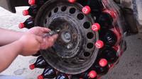 Experiment s lahvemi Coca Coly místo pneumatik dopadl neslavně