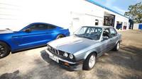 30 let staré BMW e30 s nájezdem téměř 450 000 km všechny příjemně překvapilo