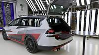 Koncept Volkswagen Golf Variant TGI GMOTION