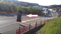 Ruský závodník předvedl těžko uvěřitelný kousek, ze kterého jako zázrakem vyvázl nezraněn