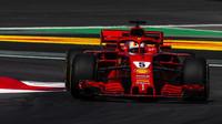 Sebastian Vettel v tréninku ve Španělsku