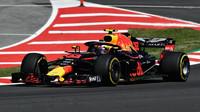 Max Verstappen v tréninku ve Španělsku