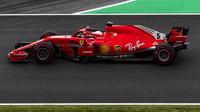 Sebastian Vettel v kvalifikaci ve Španělsku