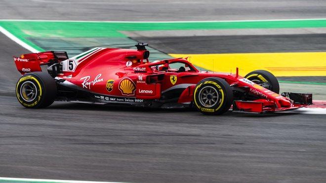 Sebastian Vettel s Ferrari ve Velké ceně Španělska