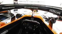 Pohled z kokpitu vozu McLaren ve Španělsku