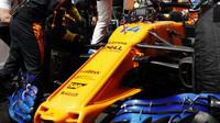 Fernando Alonso před závodem ve Španělsku