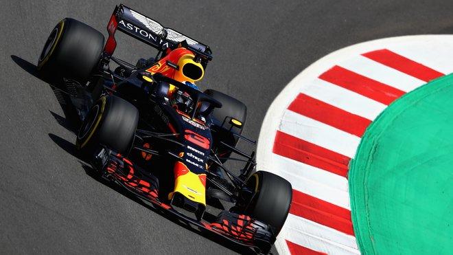 Daniel Ricciardo s Red Bullem RB14 ve Španělsku