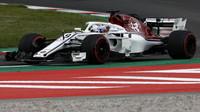 Marcus Ericsson v kvalifikaci ve Španělsku