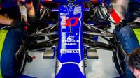 Přední zavěšení kol vozu Toro Rosso v kvalifikaci ve Španělsku