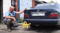 Ruský mechanik opět předvedl pořádně bláznivou show