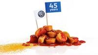 Klobásy Currywurst z produkce automobilky Volkswagen