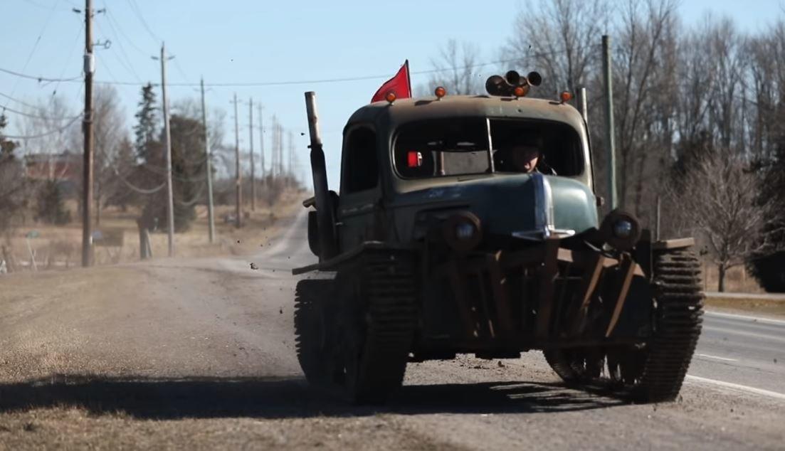 Tankenstein: Kříženec druhoválečného obrněného transportéru a odtahovky