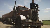 Náklaďák Peterbilt 351 ze Spielbergova prvního úspěšného filmu Duel