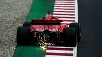 Kimi Räikkönen byl na rovinkách nejrychlejší, cílem projel ale až jako třetí